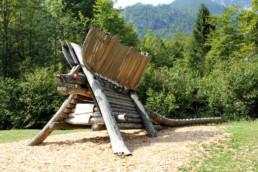 Parc infantil a Ukanc
