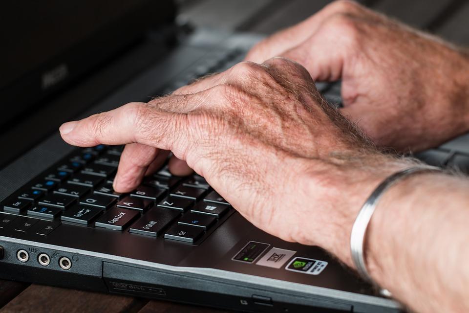 Curs informàtica per a >60 anys